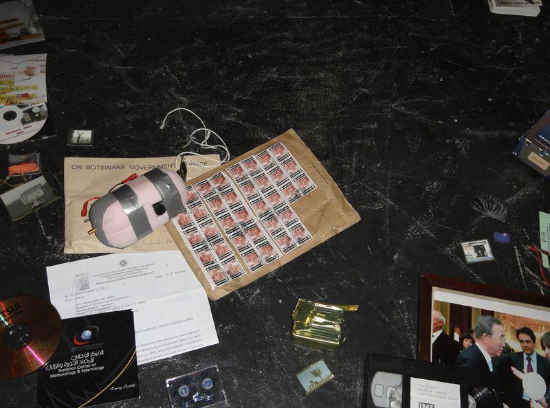 Twelve O_Clock in London_Nin Brudermann 2010_mixed media_detail